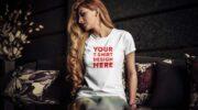 Мокап женской футболки PSD