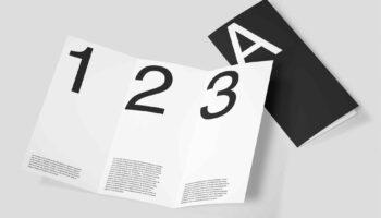 Мокап брошюры трифолда PSD