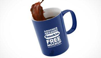 Мокап кружки с кофе PSD