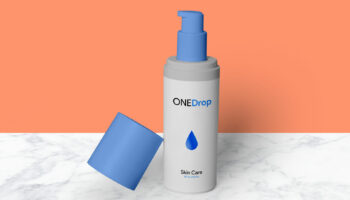 Мокап пластиковой, непрозрачной бутылки для крема PSD