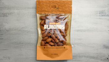 Мокап упаковки для орехов PSD