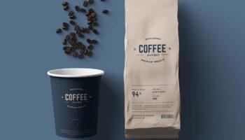 Мокап бумажного стаканчика и упаковки кофе PSD