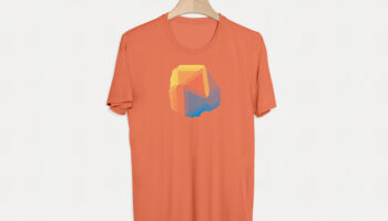 Мокап футболки на вешалке PSD